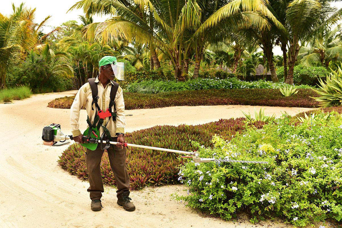 Novengi - Landscape Maintenance Equipment
